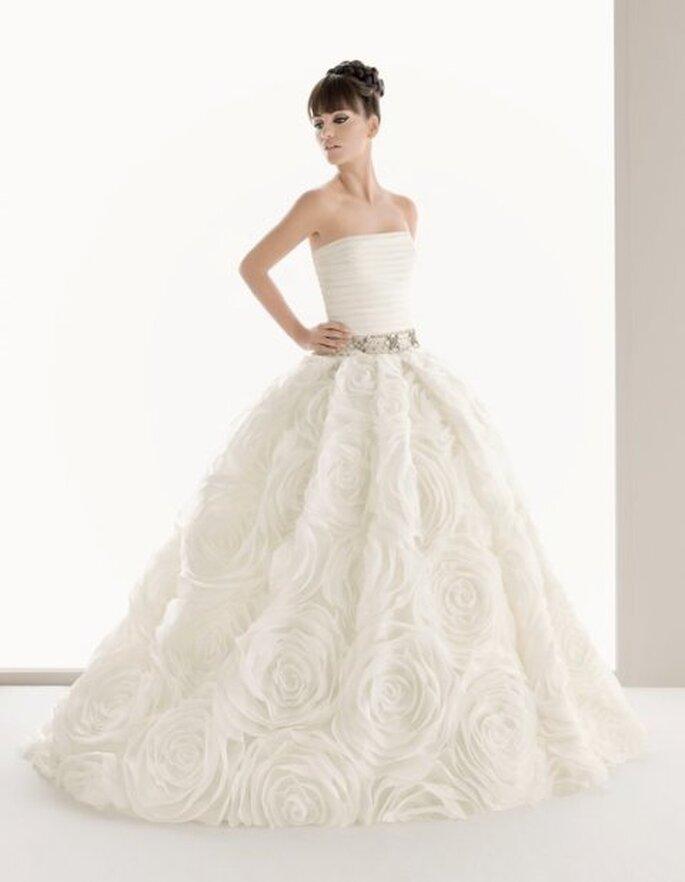 Vestido de novia con cinturón - Aire Barcelona 2011