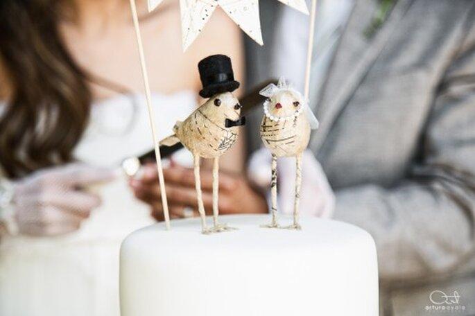 No olvides incluir el pastel en los detalles de la fotografía de tu boda - Foto Arturo Ayala