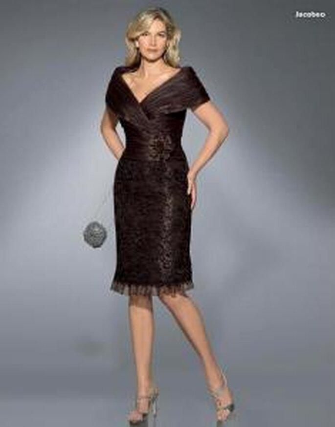 Pronovias Cóctel 2010 - Jacobeo, vestido corto ajustado en negro, escote en V