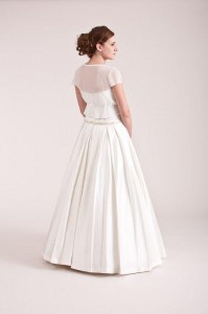 küss die Braut: Satinkleid + Bolero