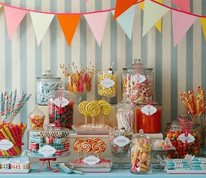 Die etwas andere Hochzeitsdekoration – eine verführerische Candy Bar Foto Amy Atlas