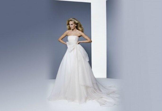 Perfetto per una moderna principessa questo abito della Collezione 2012 di Antonio Riva