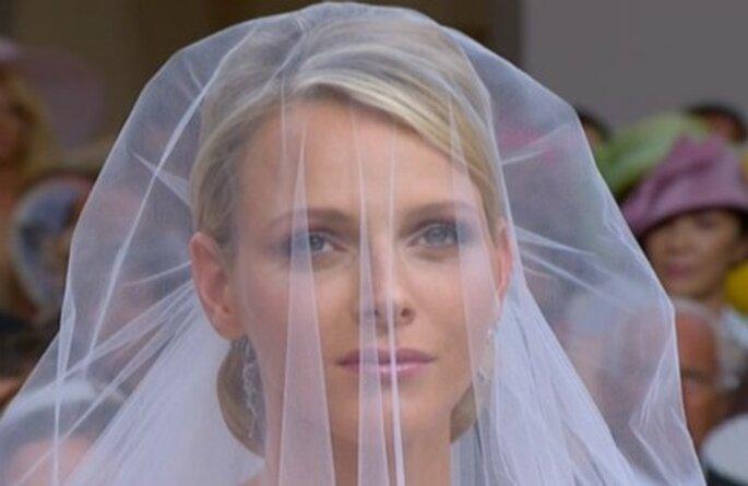 Brautschleier von Charlene Wittstock, die heute Fürst Albert II. von Monaco kirchlich geheiratet hat.