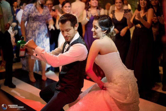 Universal Producciones fotógrafos boda Lima