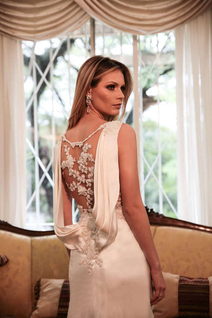 vestido de noiva com decote costas trabalhado