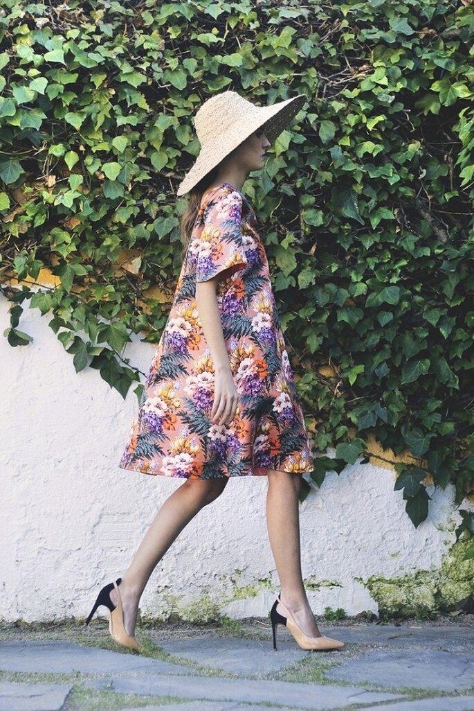 Foto: Pilar Hormaechea (vestito: Inúñez e cappello: Mimoki)