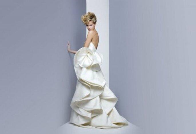 Volumi ampi per la nuova Collezione 2012 firmata Antonio Riva