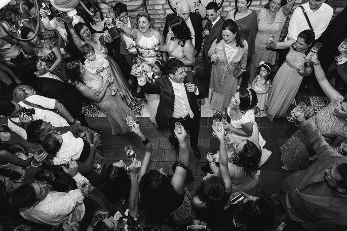 Empolgação noivos