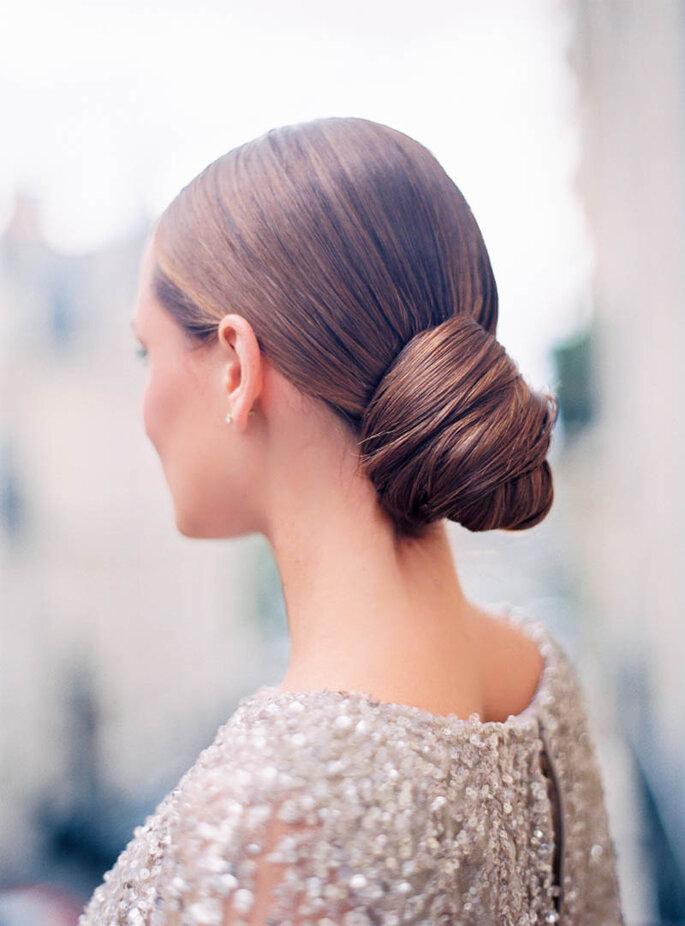 penteado com coque baixo informal