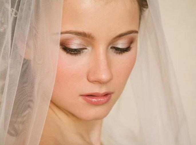 Sombras para os olhos em tons suaves - www.howtoapplyeyeshadow.com