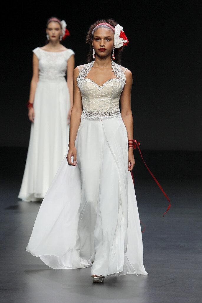 Cymbeline vestido de novia con escote corazón y bordados en el corset