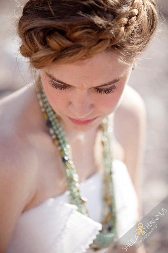 Trenza en forma de corona para invitadas de boda o novias - Foto Sheila Hannus