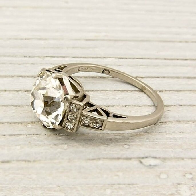 Erst White Jewelry