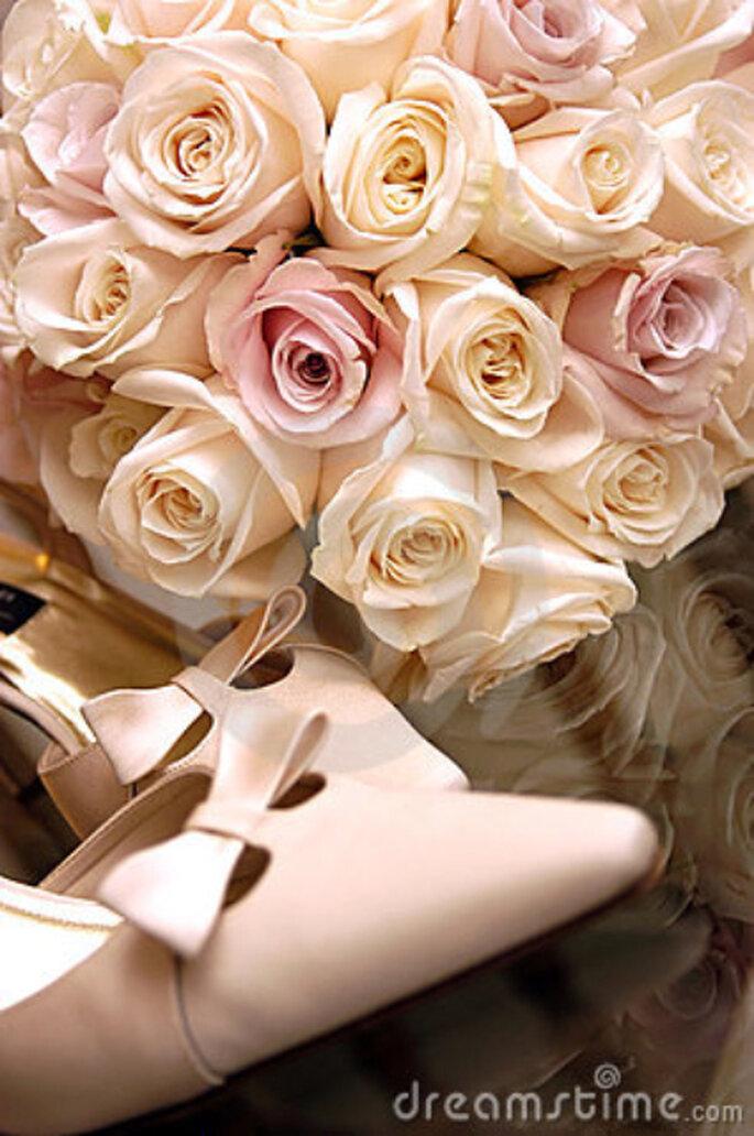 95601a4b6 Combinar o buquê com os sapatos de noiva?
