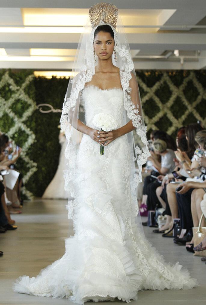 Erst der richtige Brautschleier sorgt für einen königlichen Auftritt – Foto: Oscar de la Renta
