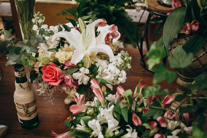 arranjo floral com estilo rústico