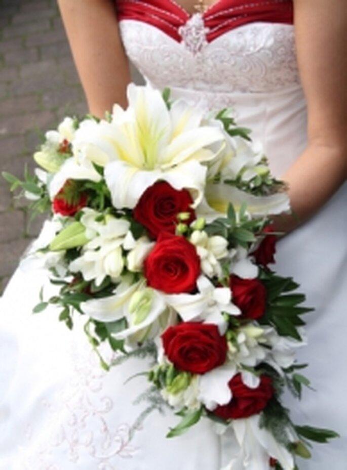 Bouquet Da Sposa A Cascata.Bouquet Da Sposa A Cascata