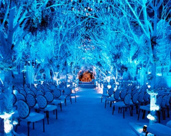 Everyone knows summer is the wedding season but a winter wedding can be