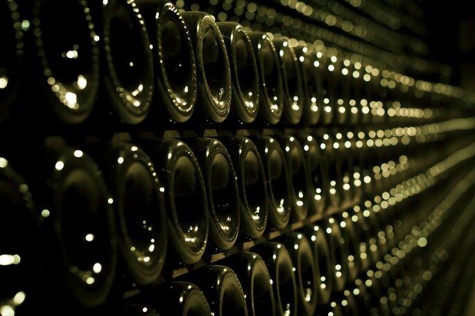 Les conseils d'un professionnel sont indispensables pour choisir son champagne. Crédit : Champagne Delot