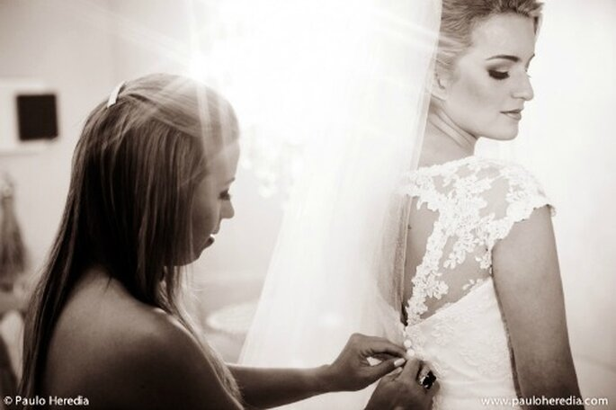 Stress weight gain between 2 fittings wedding dresses: we manage! - Photo: Paulo Heredia