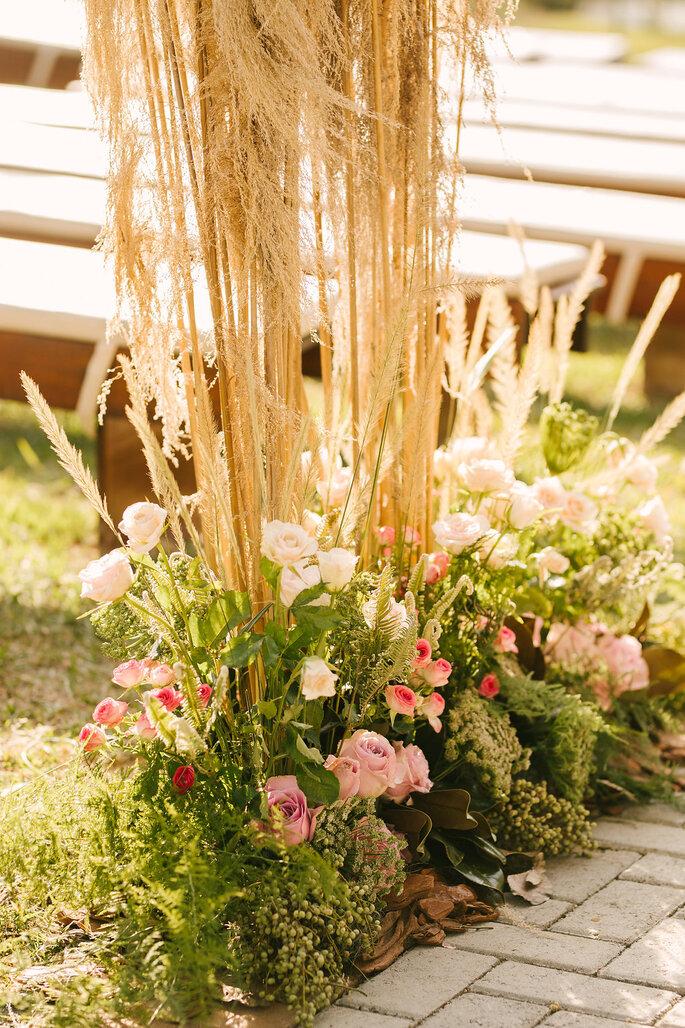 Flores e paisagismo: Lucia Milan - Foto: Lucas Lima Fotografia