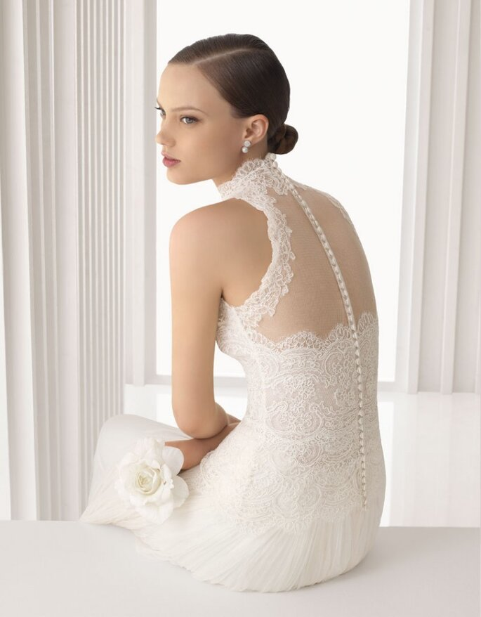 Vestido Armonia, body de encaje y falda plisada de tul en color natural, Rosa Clará