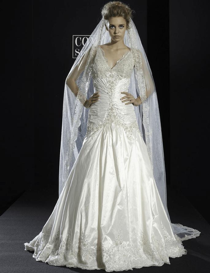 Brautkleid mit Spitze von Stalo Theodorou aus der Kollektion 2012.