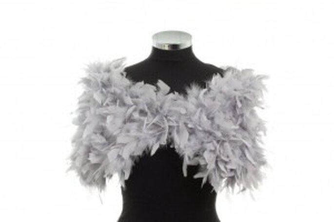Abrigo de plumas para novias que se casan en invierno