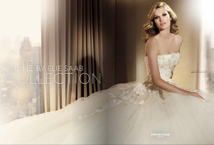 Die neue Kollektion von Elie Saab für Pronovias ist da - im Katalog 2011 und Online