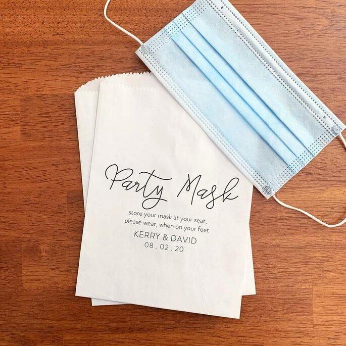 Hochzeitsmaske mit Initialien