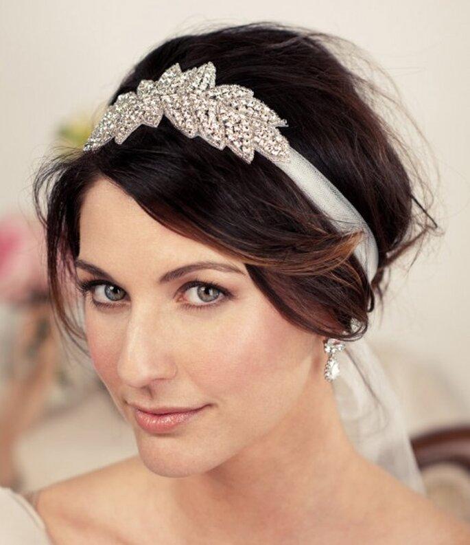 A la fois vintage et tendance, le headband s'impose comme un accessoire incontournable!