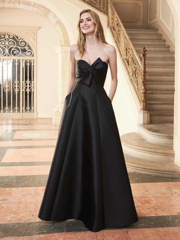 Vestido de fiesta negro largo con corte de princesa con escote asimétrico