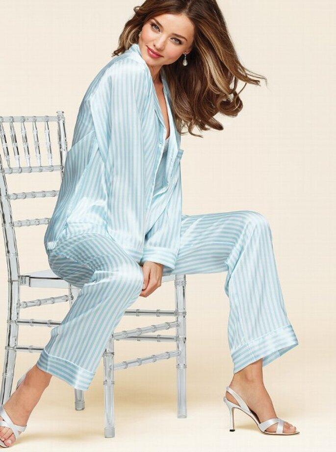 Pijama para dormir en color azul para novias - Foto Victoria's Secret 2013