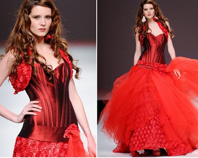 Vestido de novia en color rojo con falda ampona - Foto: Jordi Dalmau 2013