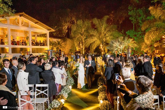 Entrada da noiva casamento clássico