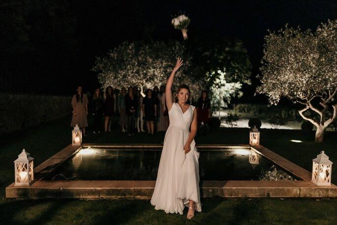 Le fameux lancer du bouquet de la mariée
