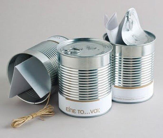 Invitación original para boda dentro de una lata