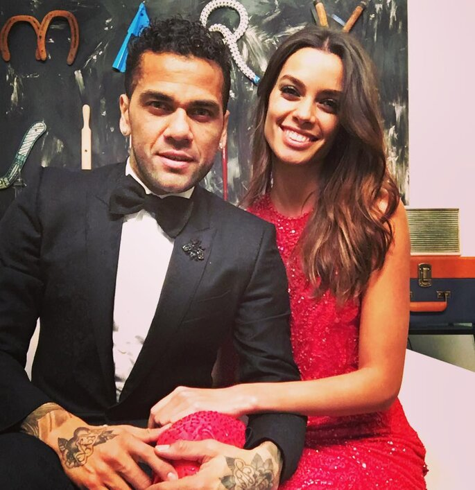 Dani Alves y Joana Sanz.