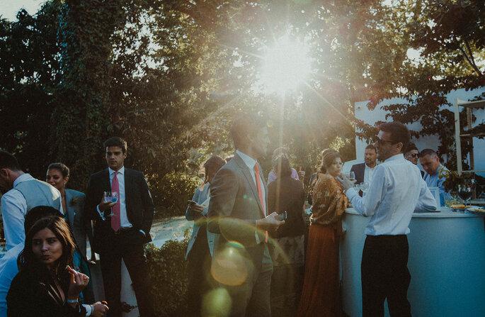 cocktail de casamento: convidados a divertirem-se