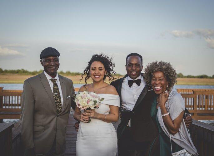Padrinhos de casamento com os noivos