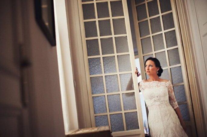 Elegante vestido de novia con encaje - Foto Attitude Fotografia