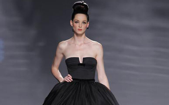 Robe de mariée noire longue Rosa Clara 2011