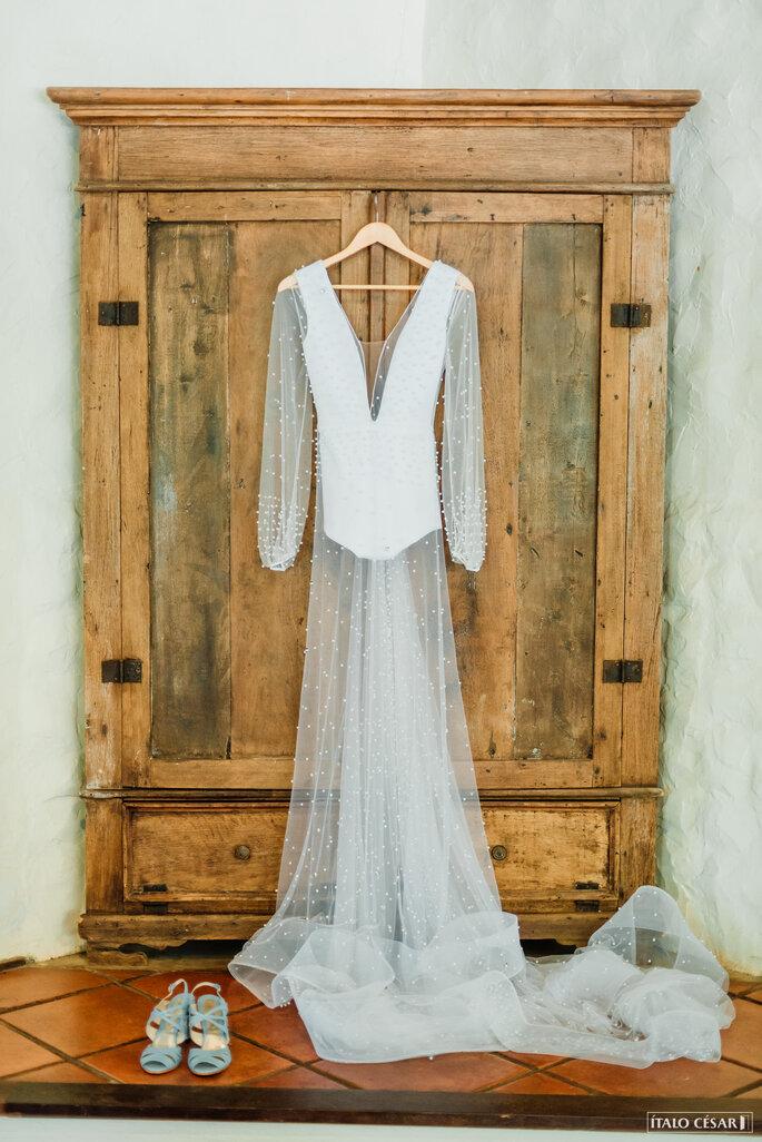 Vestido de noiva de tule com perolas