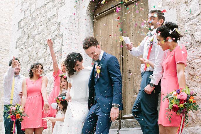 photo mariés sortant église