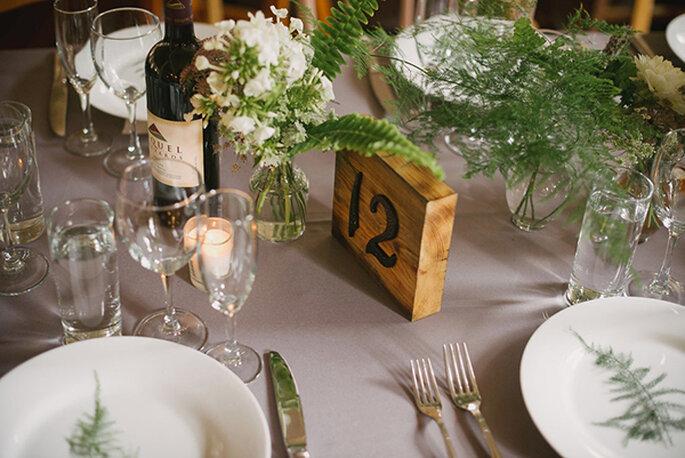 Elegante und zugleich rustikale Tischdekoration- Foto: Yhe Weaver House