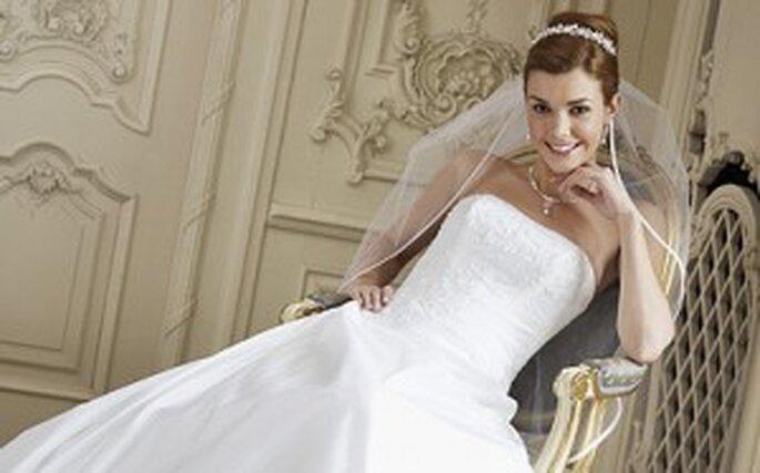 Brautkleider Pure White von Lilly 2010