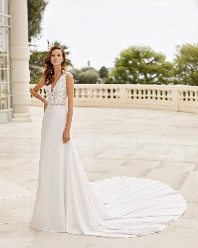 Robe de mariée empire avec une traîne