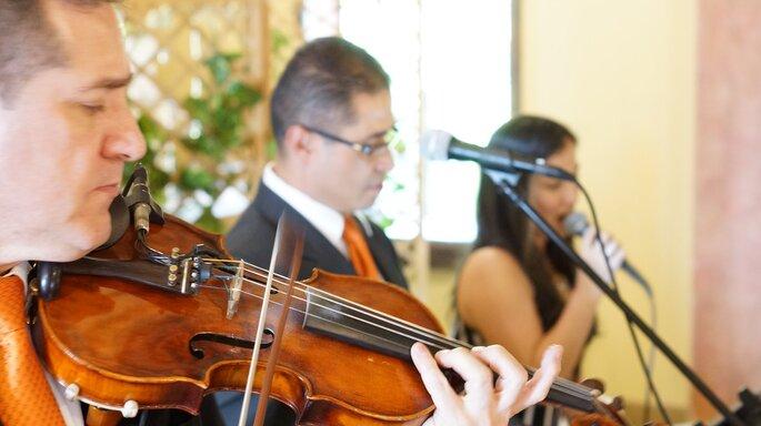 Angélica Valencia - Coro para Bodas Violinista