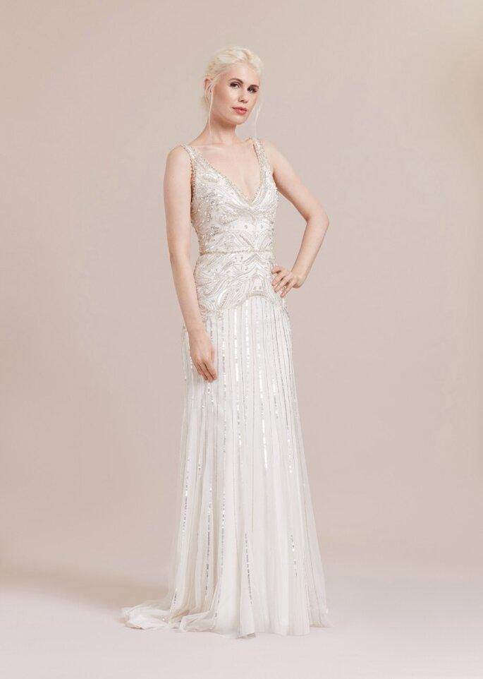 Vestido de novia estilo vintage con corte de sirena, tirantes, escote en V con pedrería