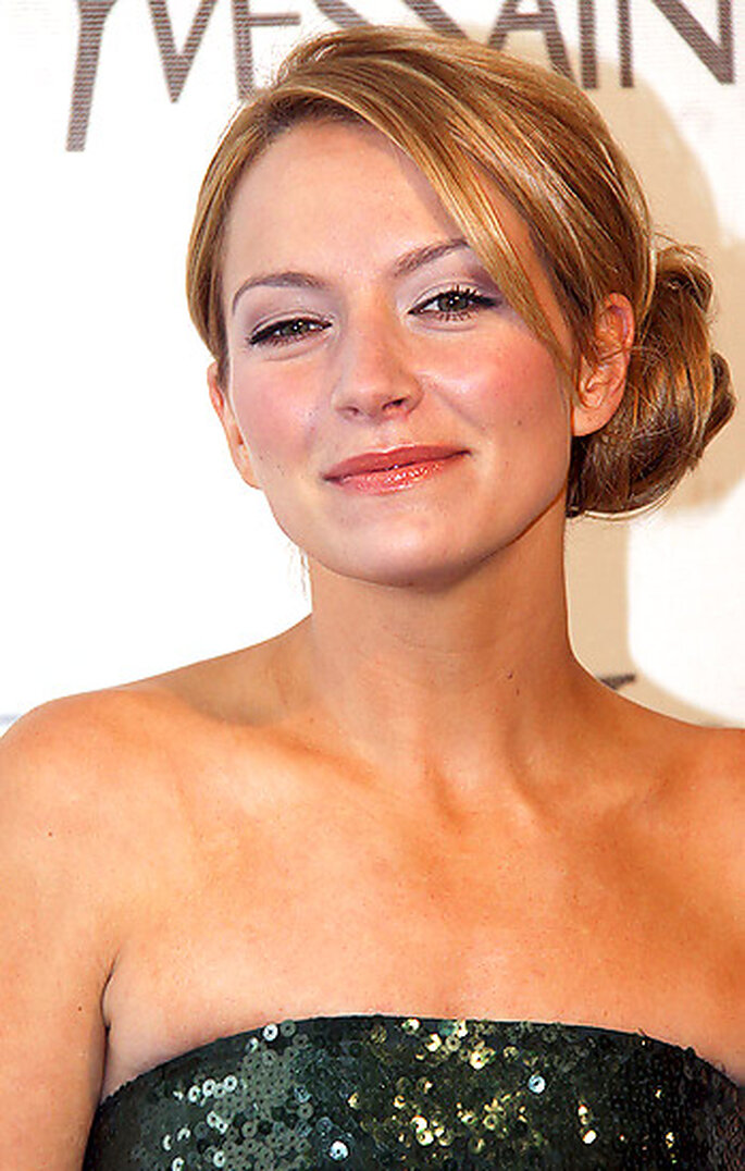 Ugly Betty actress Becki Newton looks lovely in a side chignon